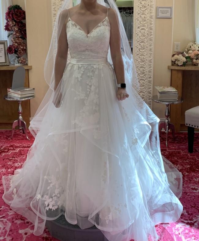Beloved By Casablanca Bridal BL219