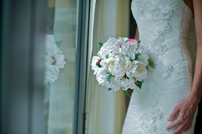 Brides of Armadale, Miss Petals in Paris