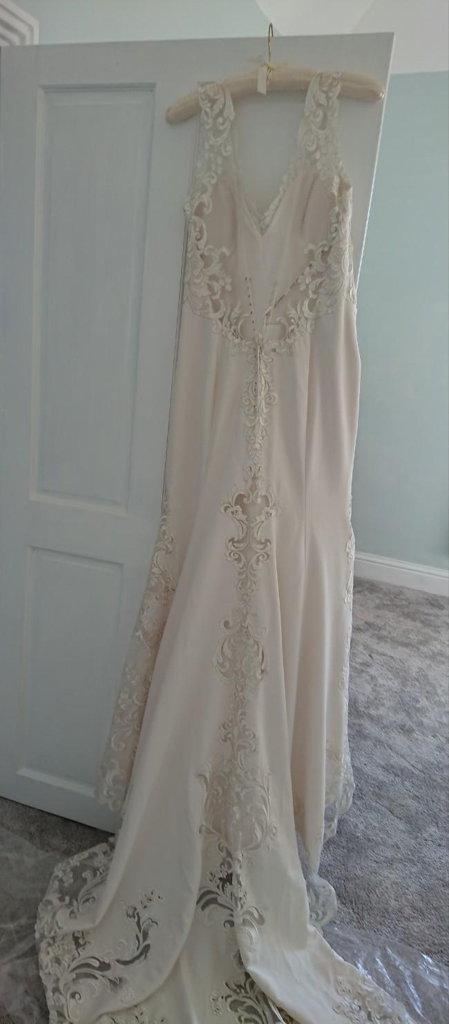 f1862cb0 Maggie Sottero Veronica New Wedding Dress on Sale 49% Off - Stillwhite