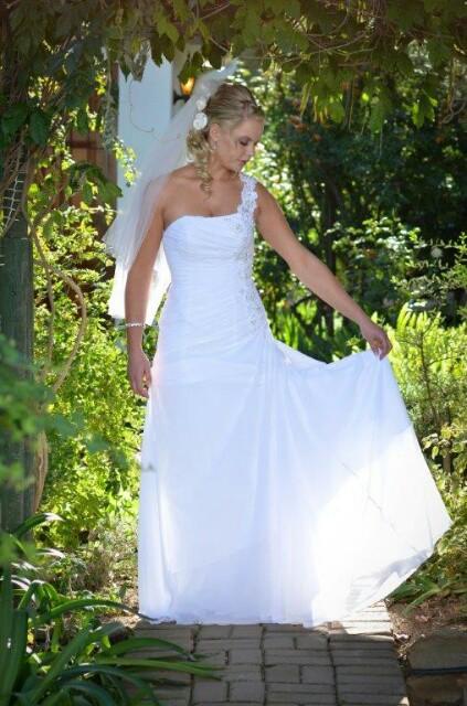 Bride & Co, V3398