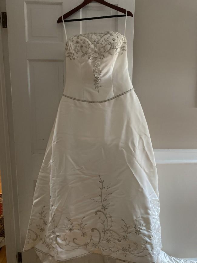 Casablanca Bridal 01776