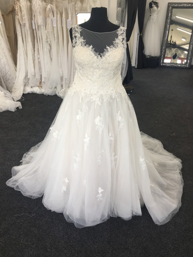 Confetti & Lace, Ball Gown