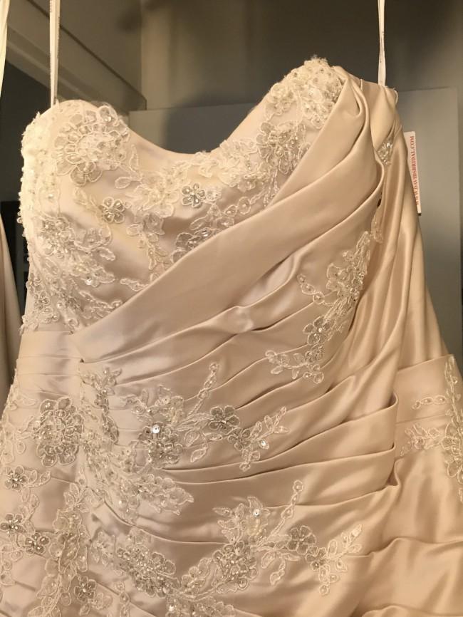 David's Bridal 9V3179