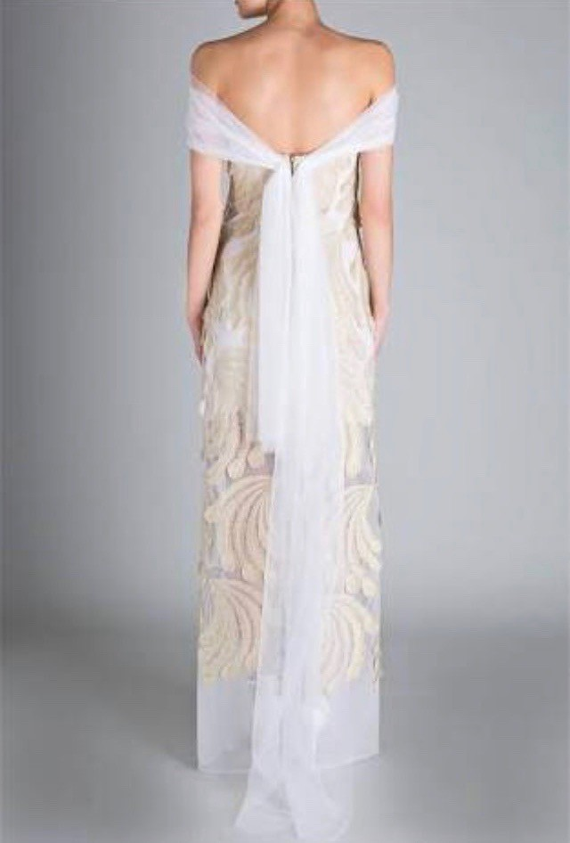 Carla Zampatti Gold Peacock lace 'DESIREE' Gown Wedding Dress On Sale - 62%  Off