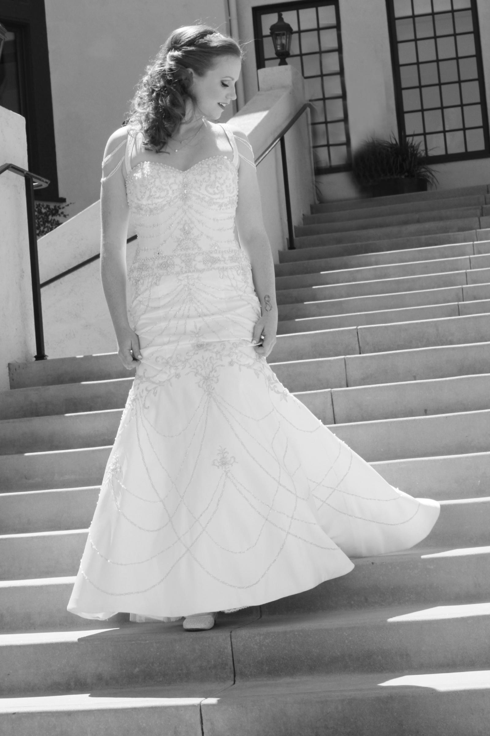 ad8450abdc David s Bridal Preloved Wedding Dress on Sale 67% Off - Stillwhite ...
