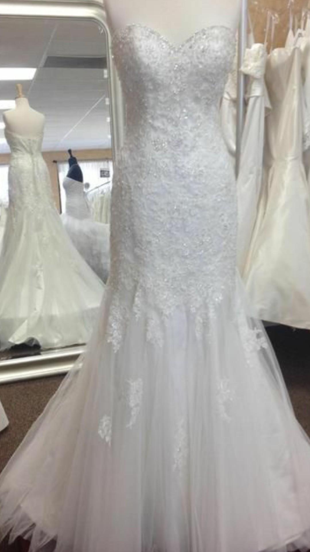 074f25eb4424 Stella York 5986 New Wedding Dress on Sale 53% Off - Stillwhite ...