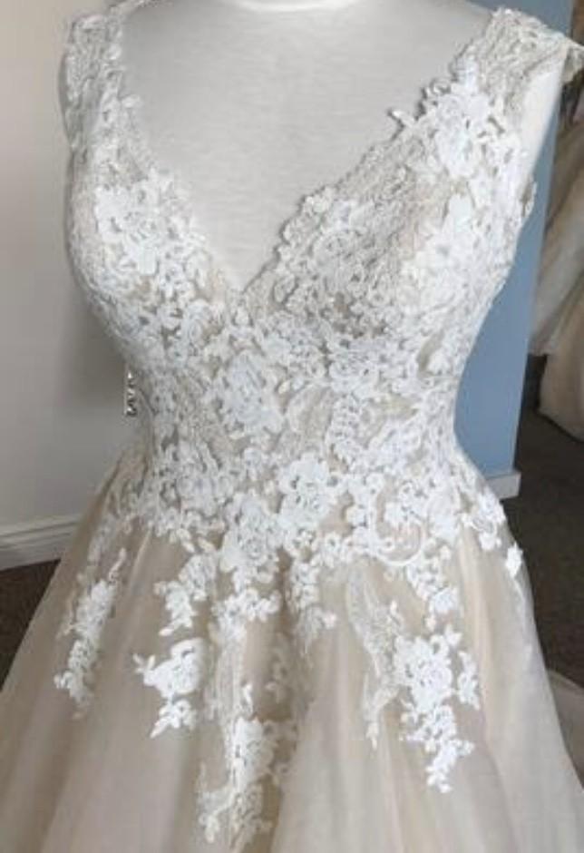 Allure Bridals, Ginu 3061