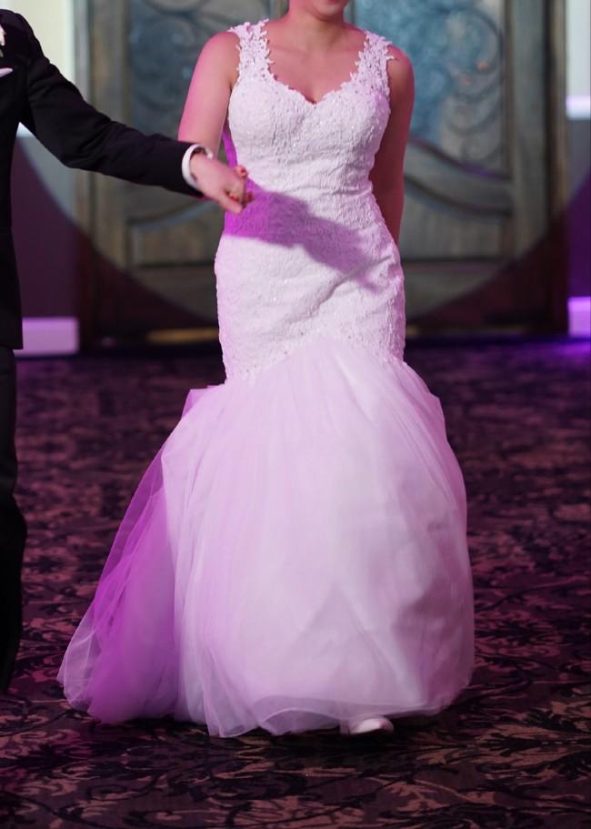 David's Bridal As-Is Beaded Venice Lace Trumpet Wedding Dress
