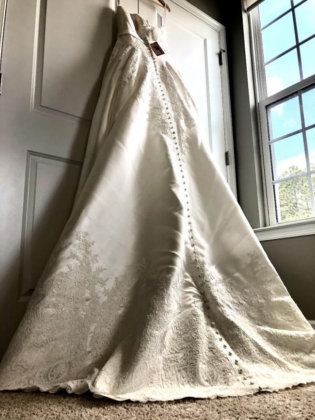 Allure Bridals, 9303