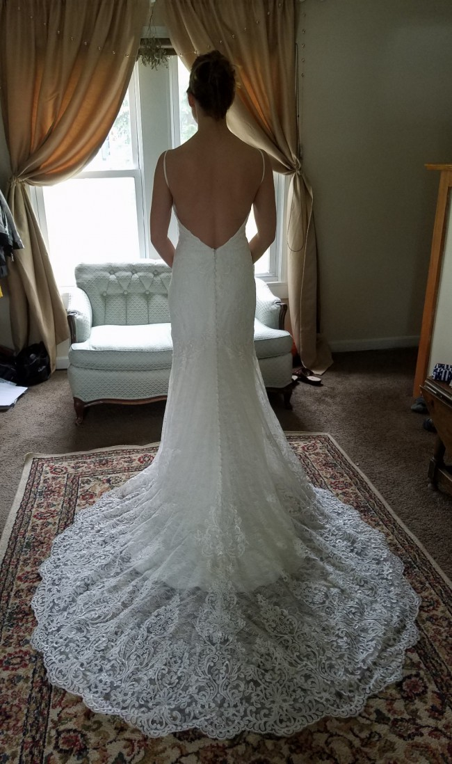 Essense of Australia, D1934 SEXY LACE WEDDING DRESS