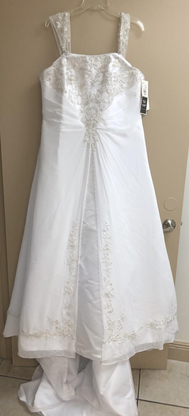 David's Bridal 9V9010