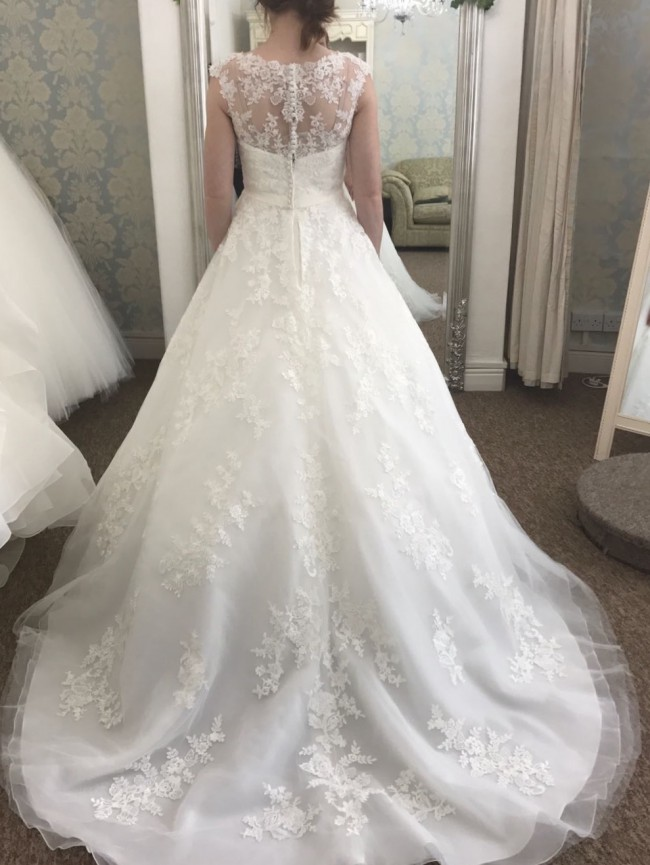 Language In 45 And 47 Stella Street: Stella York 6303 New Wedding Dress On Sale 38% Off