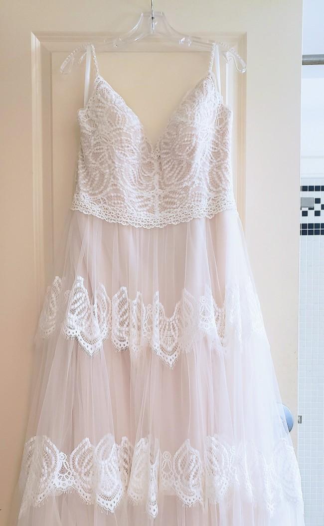 Allure Bridals, 9555