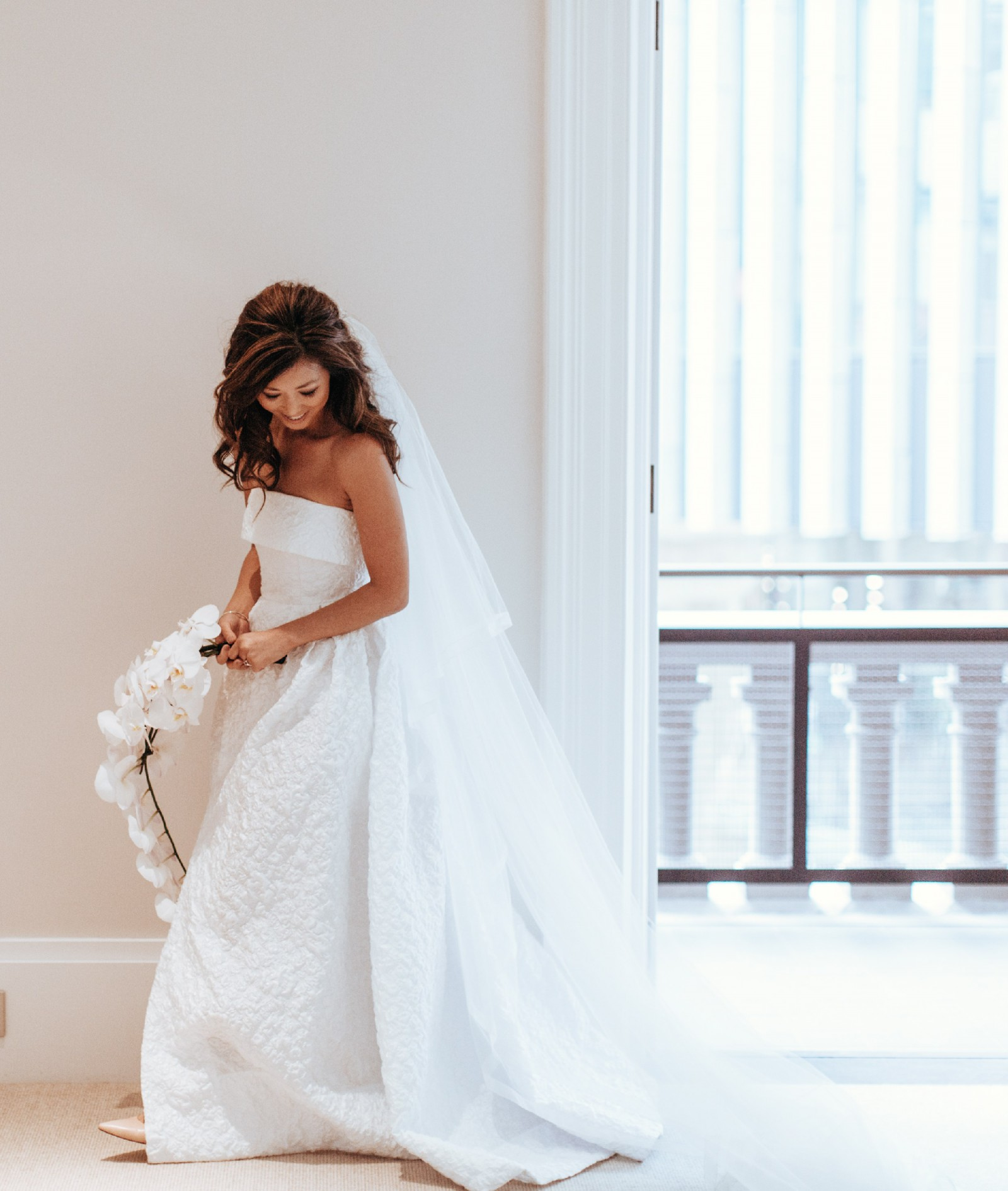 Alex Perry Wedding Gowns: Alex Perry Christie Gown, Belle De Jour Collection Used