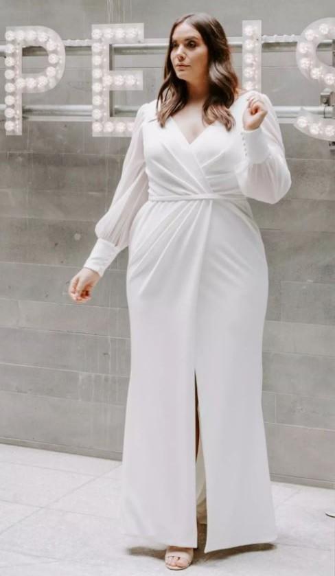 Karen Willis Holmes Nikki Curves