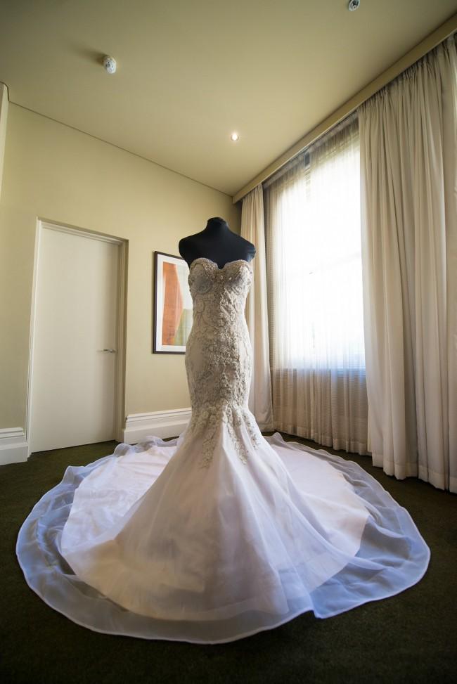 0557fd412bdd Eliza French Custom Made Second Hand Wedding Dress on Sale 69% Off ...