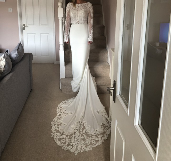 Stella York, 6817 With Free Full Length Two Tier Veil