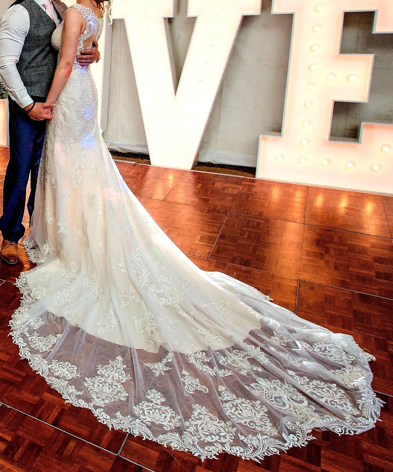 Essense Of Australia D2322 Used Wedding Dress On Sale 71