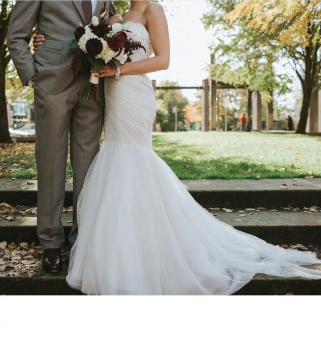 Second Hand Wedding Dresses Vancouver: Monique Lhuillier Bliss 1516 Second Hand Wedding Dress On