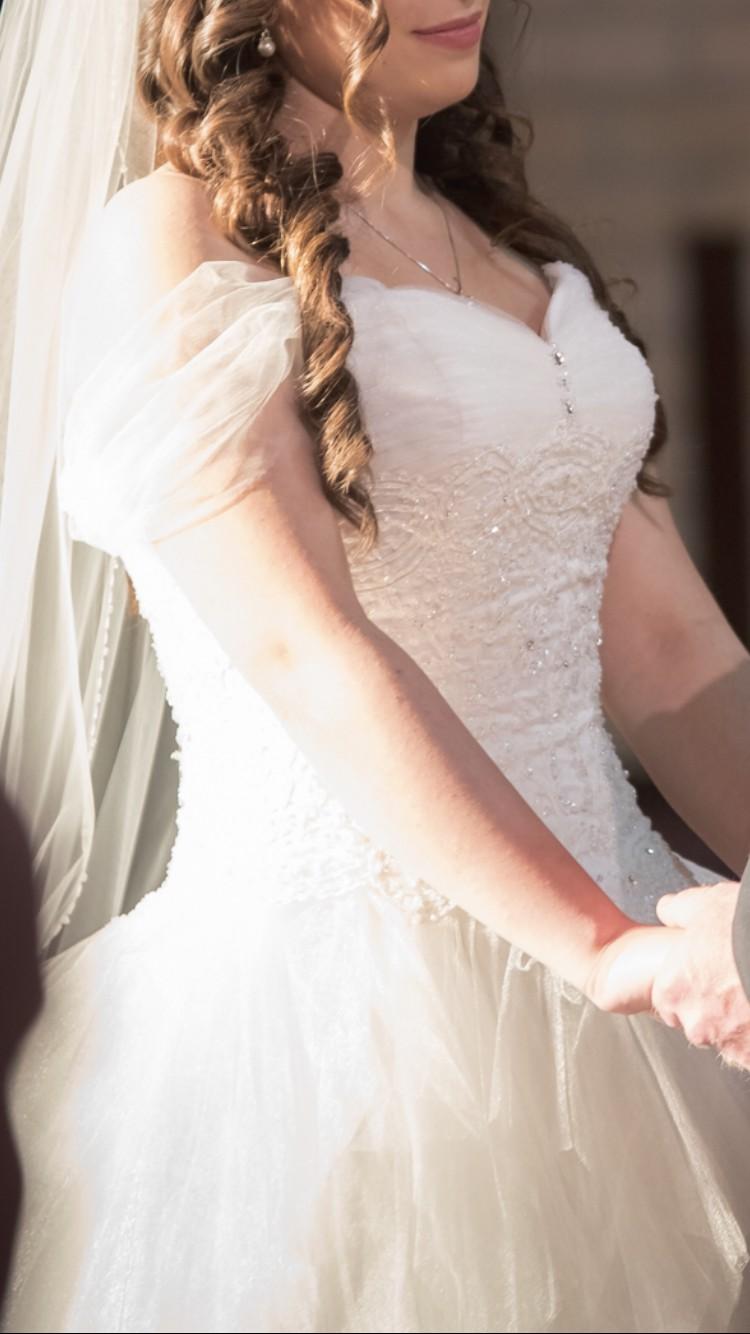 Mia Solano L1001 Used Wedding Dress On Sale 41 Off Stillwhite