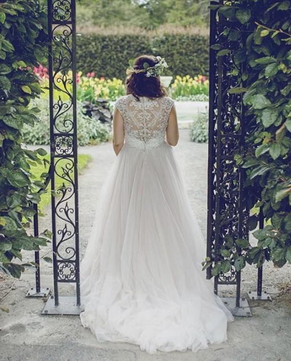 Allure Bridals 9162