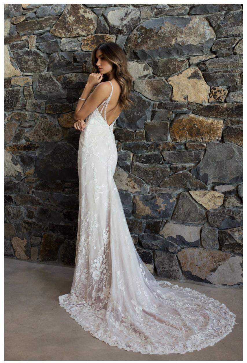 Madi Lane Rakel Preowned Wedding Dress On Sale 44 Off