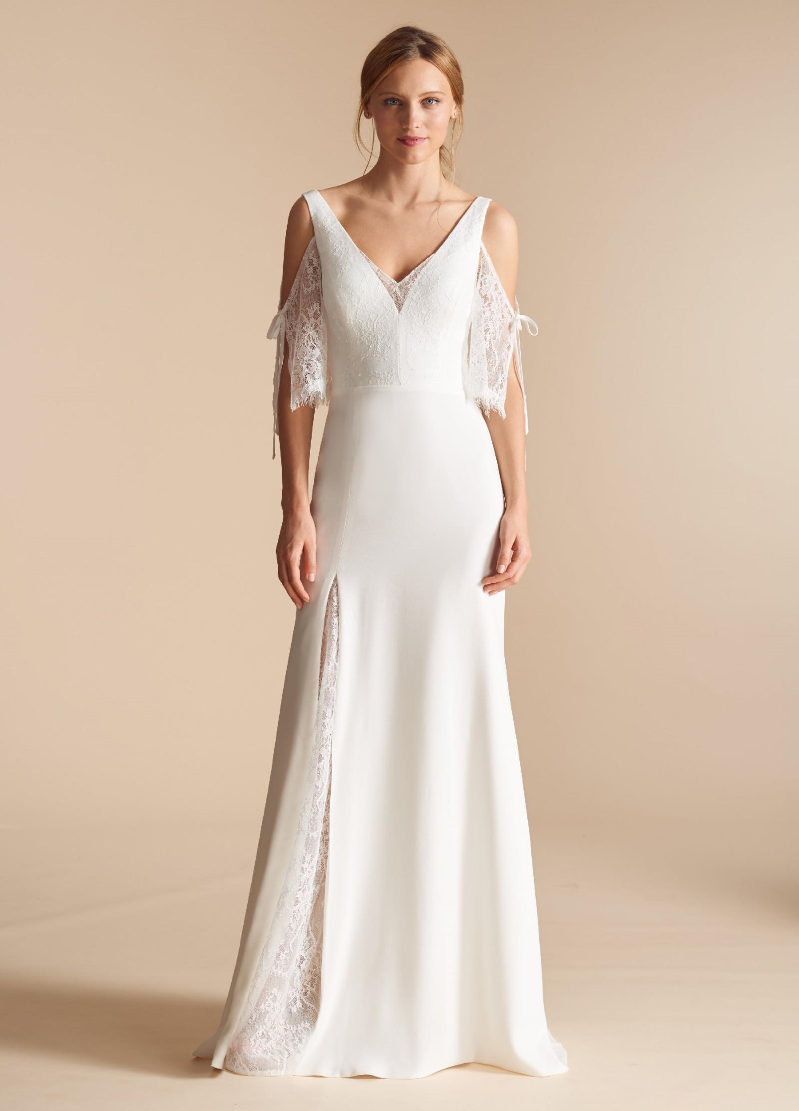 Ti Adora 7807 Jules Sample Wedding Dress on Sale 56% Off – Stillwhite