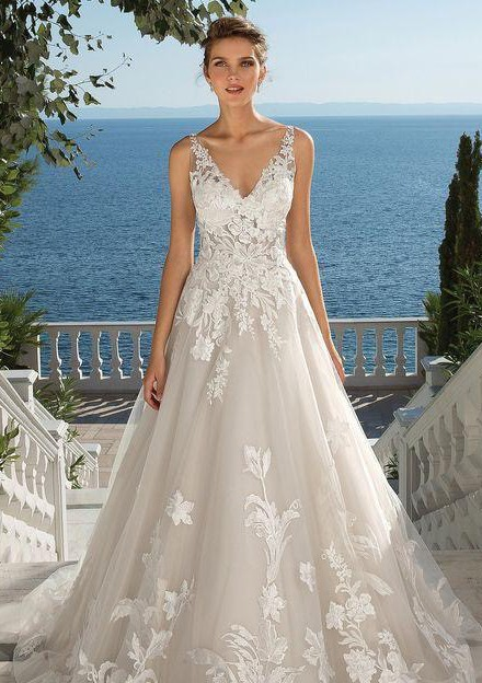 Justin Alexander Tulle and Lace Ball Gown with Chapel Length Train,