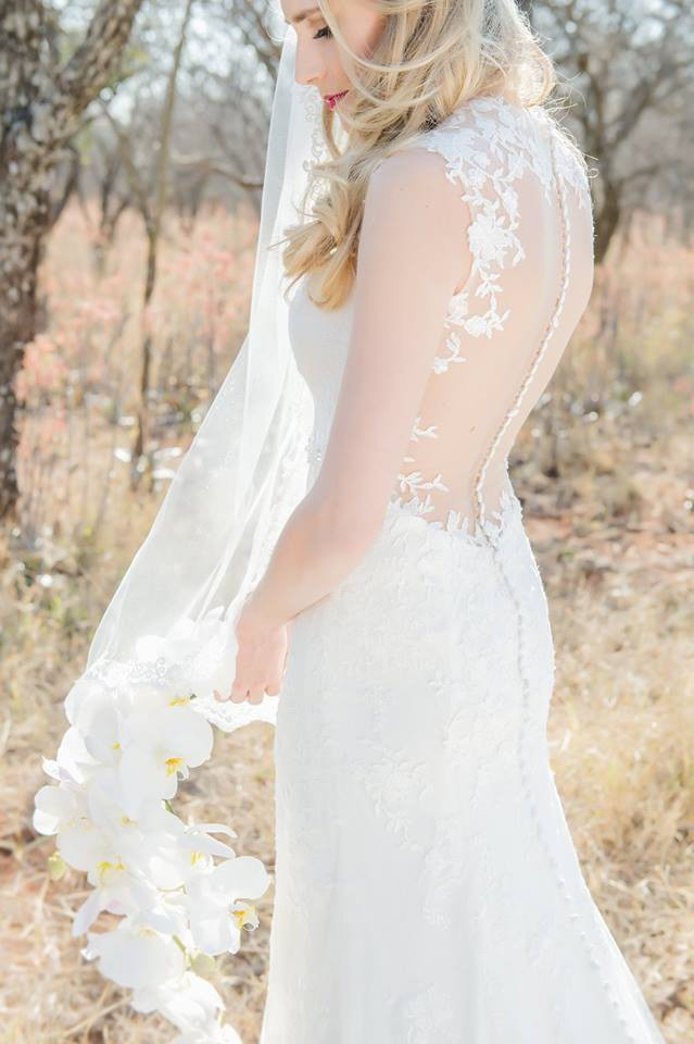 55409e53f75e Sincerity Bridal Justin Alexander 3885 Preowned Wedding Dress on Sale 53%  Off - Stillwhite Australia