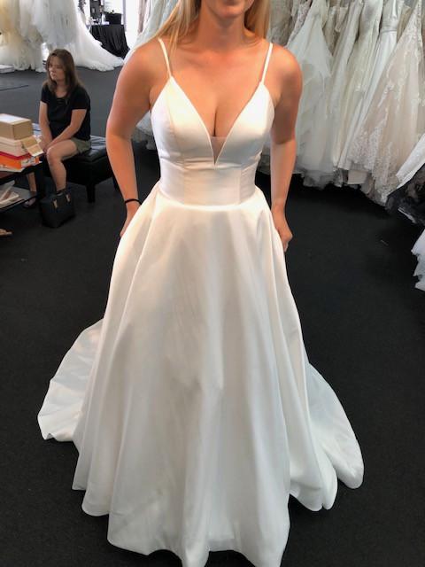 Allure Bridals 9570