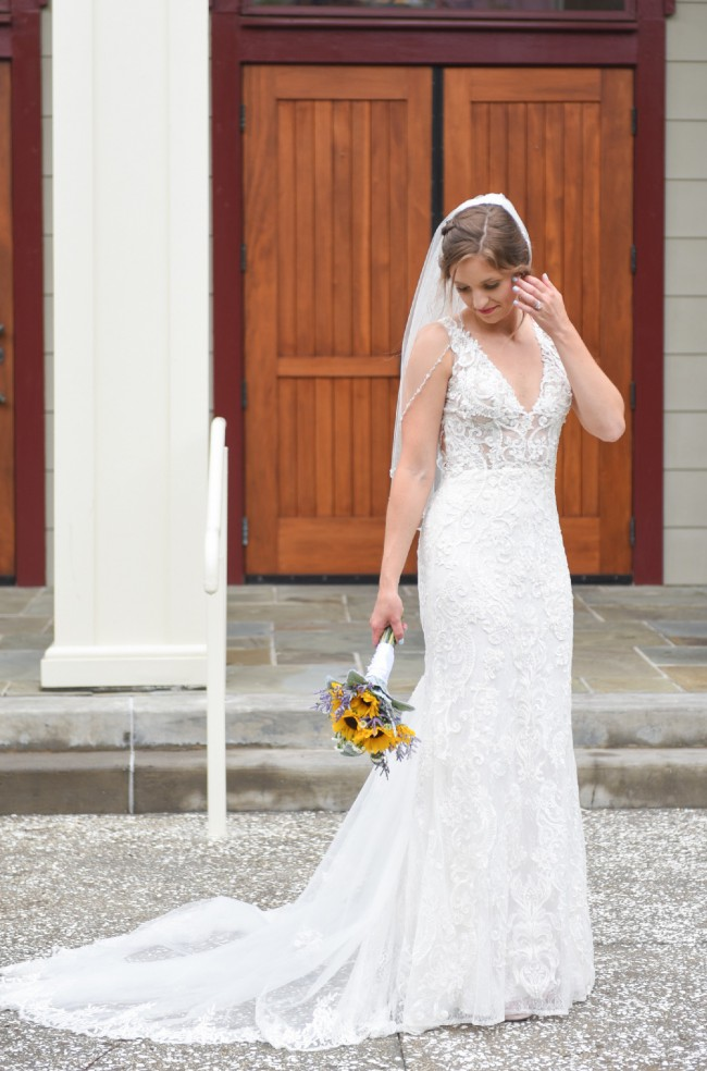 137c2a3e5 David s Bridal Galina Signature Used Wedding Dress on Sale 52% Off ...