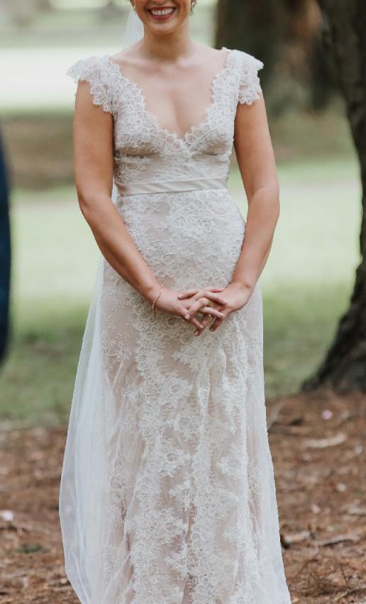 Karen Willis Holmes Genevieve Lace Overlay