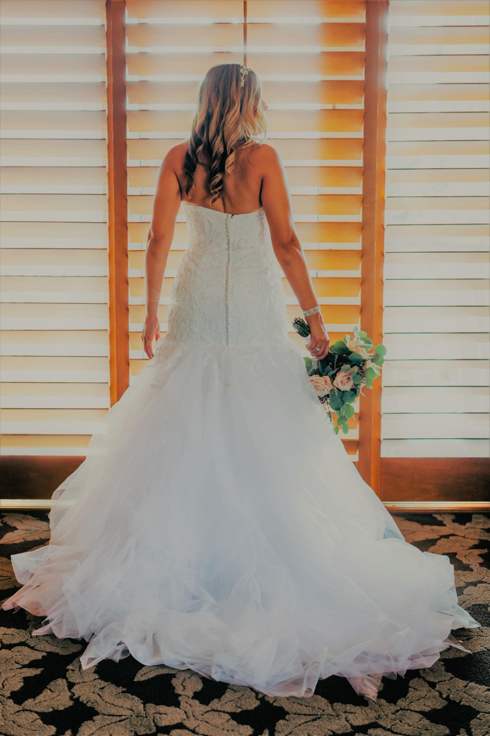 65baf709e350 Oleg Cassini CWG737 Second Hand Wedding Dress on Sale 68% Off - Stillwhite  South Africa