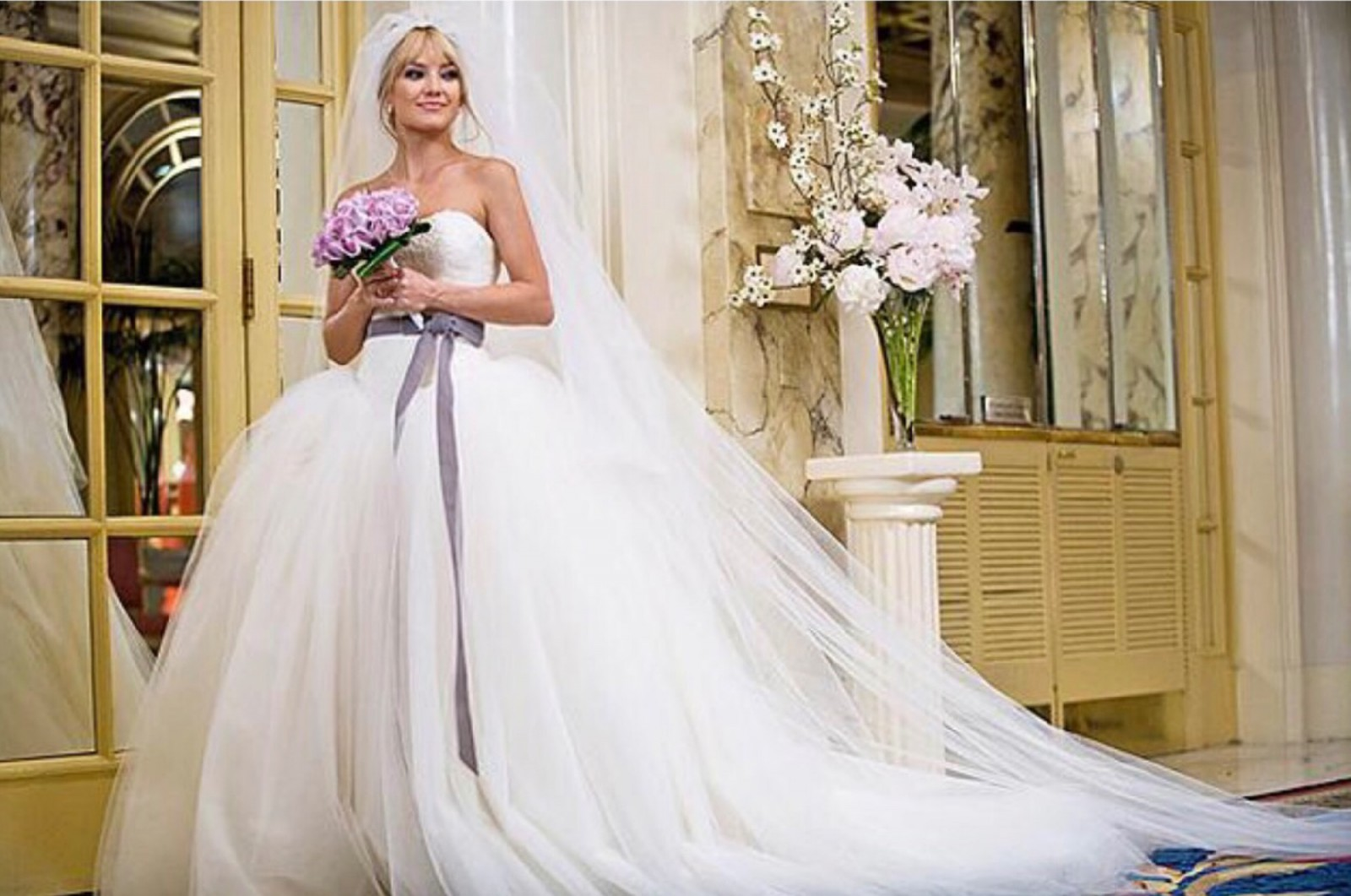 07c7536cc20c Vera Wang Bride Wars original - Kate Hudson ...style 12709 Preloved Wedding  Dress on Sale 62% Off - Stillwhite United Kingdom