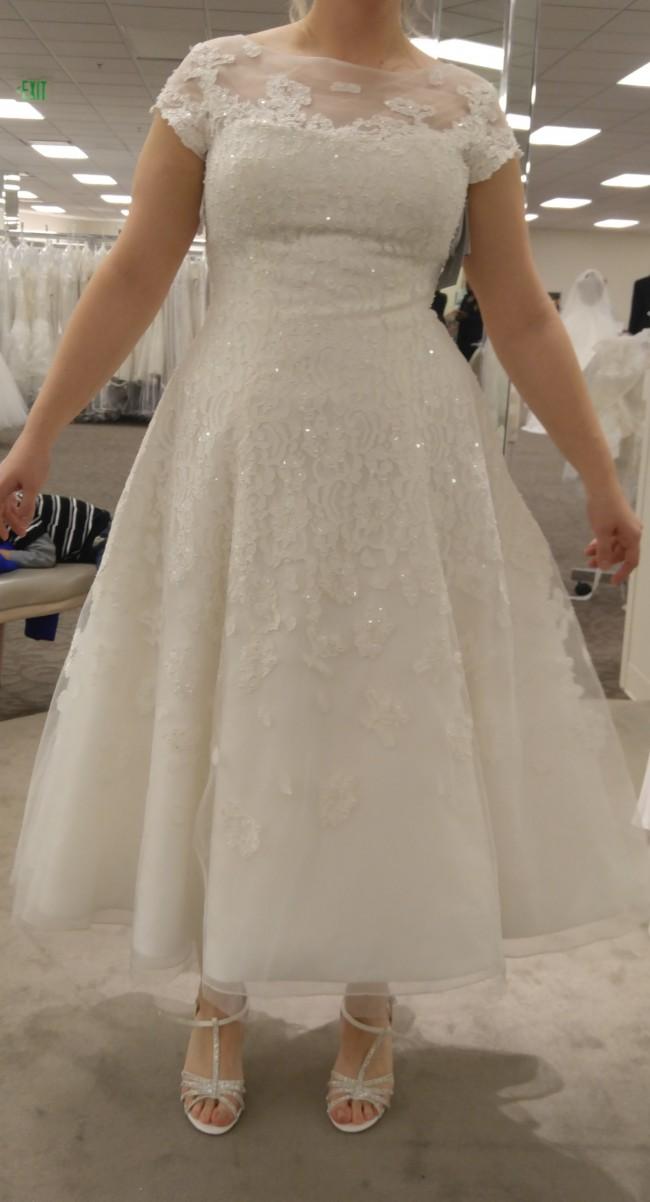 6bbce9ddd690 Oleg Cassini CMK513 Second Hand Wedding Dress on Sale 34% Off ...