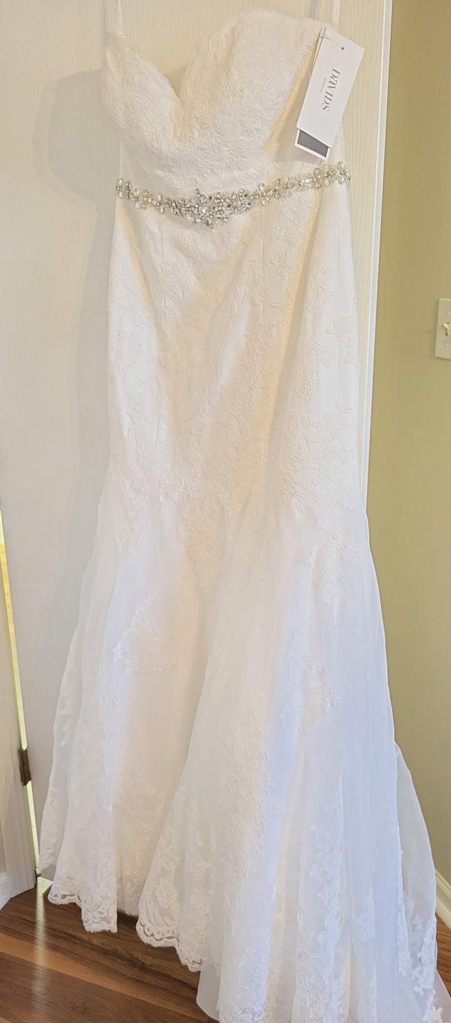 David's Bridal V3680