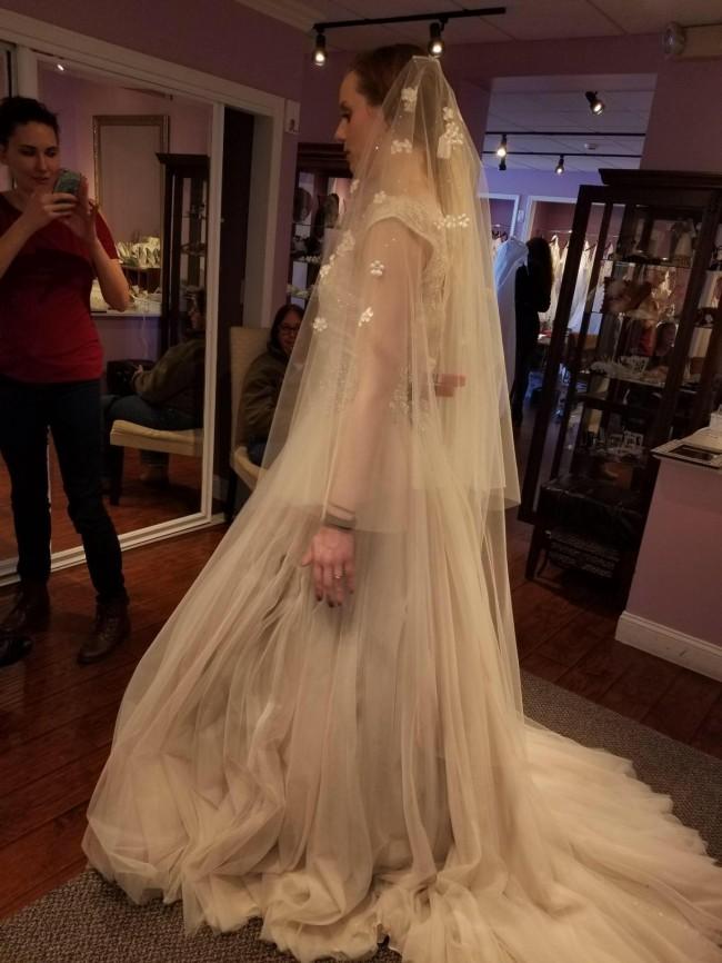 Allure Bridals, 9022