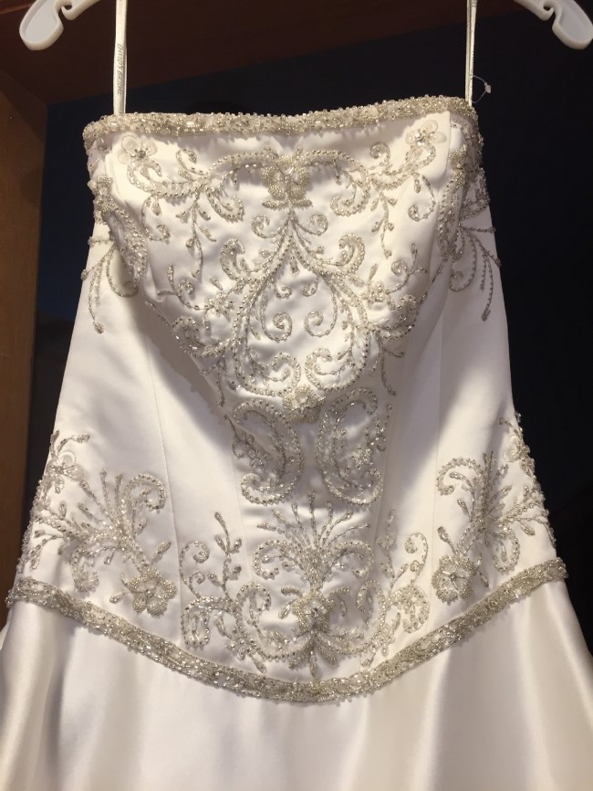 David's Bridal WG3022Softwht