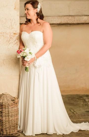 Brides Desire, Mollie