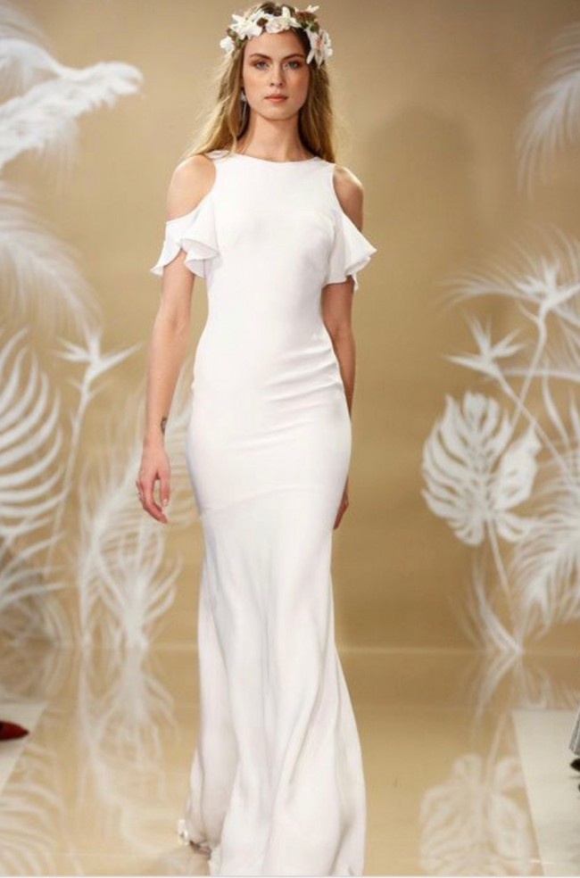 Theia Couture, Kelly