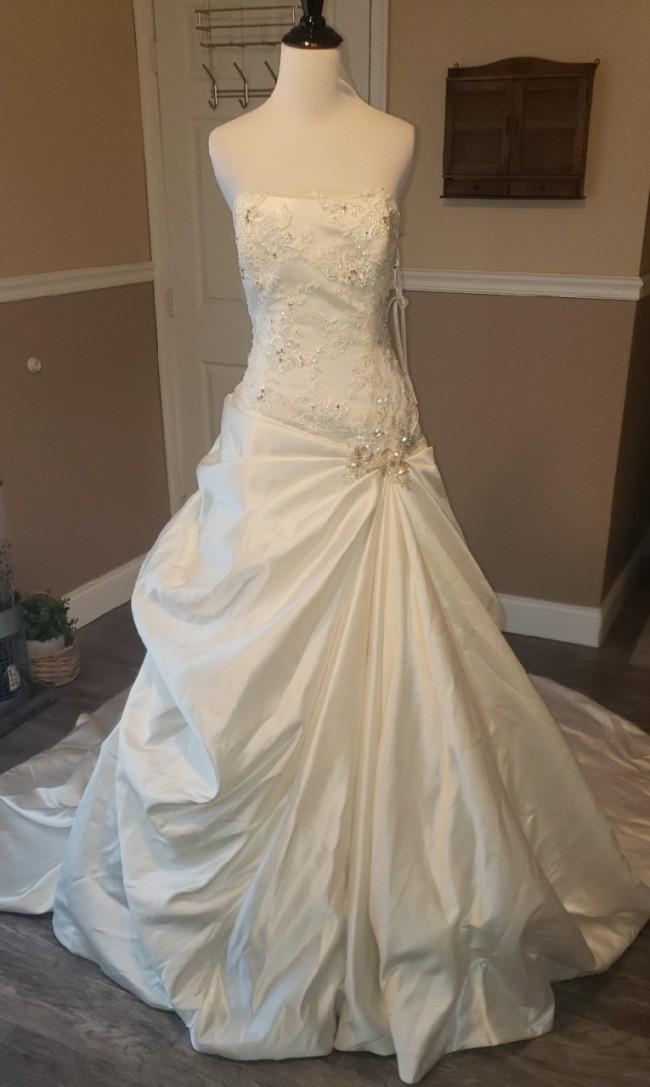 Blue By Enzoani Blue by Enzoani Florence Ballgown Wedding Dress