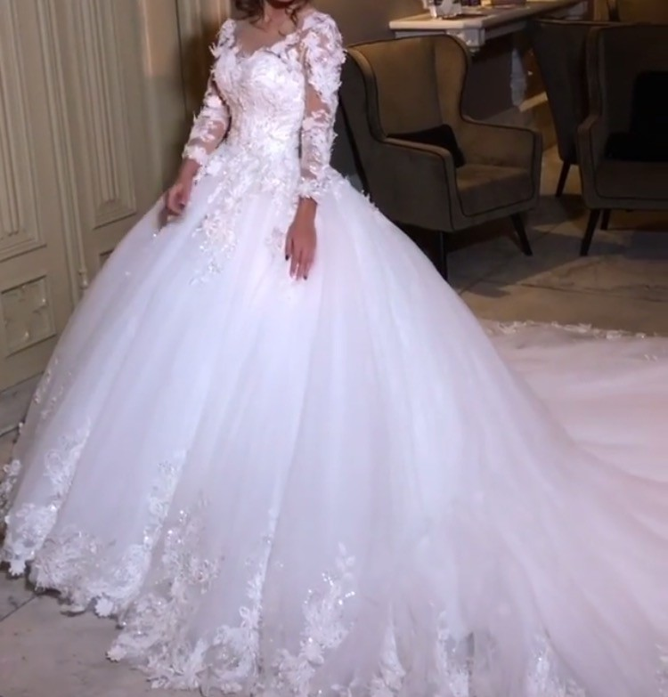 Alberto AXU Custom Made Second Hand Wedding Dress On Sale