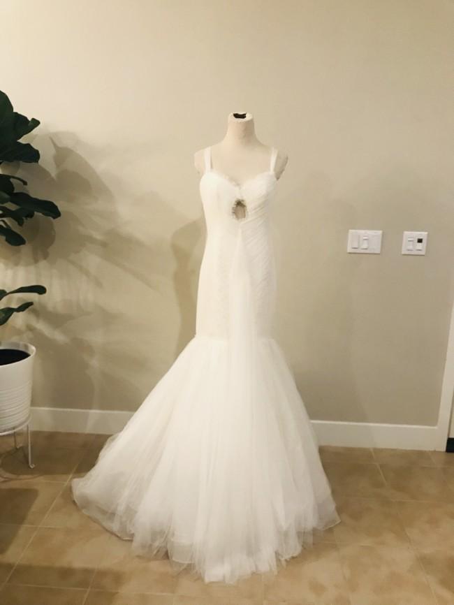 Vera Wang Authentic wedding dress