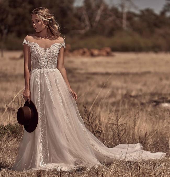 White April, Outback Romance/6043-IZ