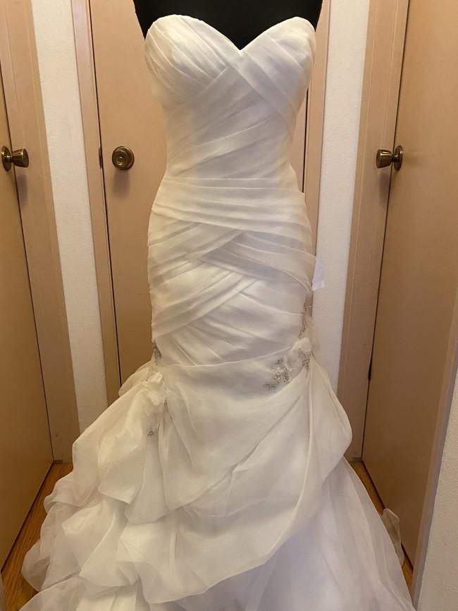 Casablanca Bridal 2088