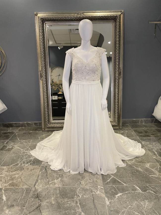 Allure Bridals W415