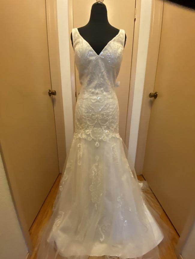 Beloved By Casablanca Bridal, 223