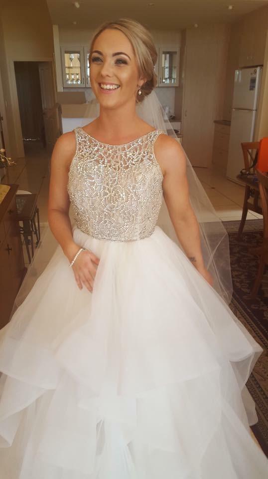 293fa1118d78 Hayley Paige Dori Gown Second Hand Wedding Dress on Sale 56% Off -  Stillwhite United Kingdom