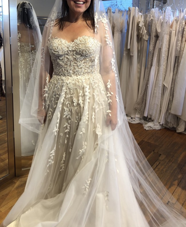 Reem Acra Fleur Gown & Veil