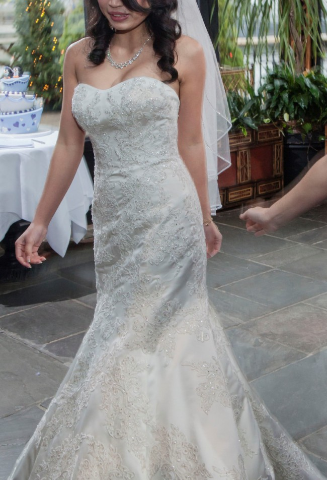 Oleg Cassini, Oleg Cassini Satin Lace Strapless Wedding Dress, S